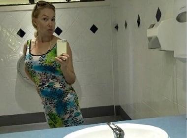 bathroom-mirror-photo