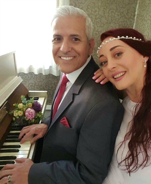 Счастливая пара из США, Украины