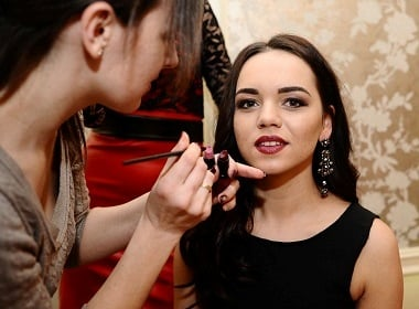 Makeup makes women appear more desirable to men, but ladies feel threatened