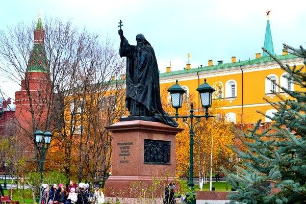 Alexander gardens near Moscow Kremlin.