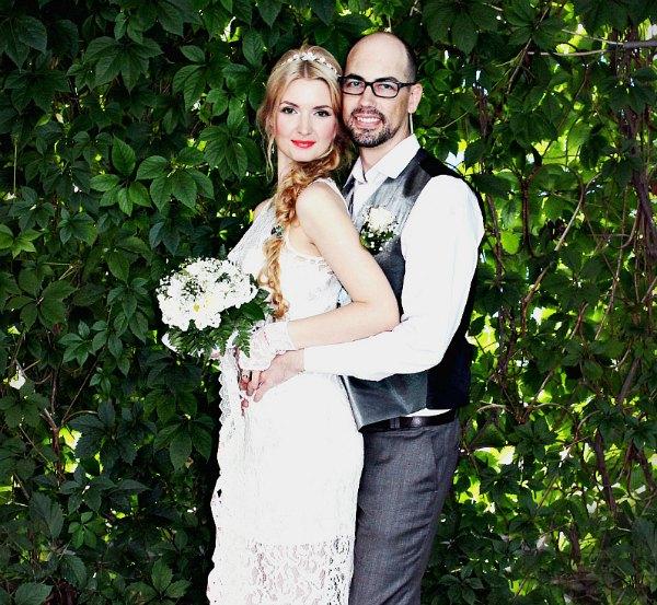 Elenasmodels couple
