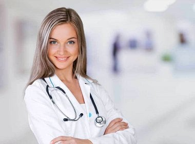 How much medical doctors earn in Russia