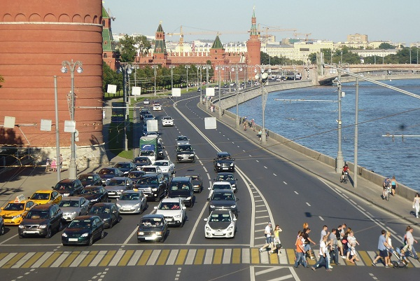 What makes Russians leave or stay