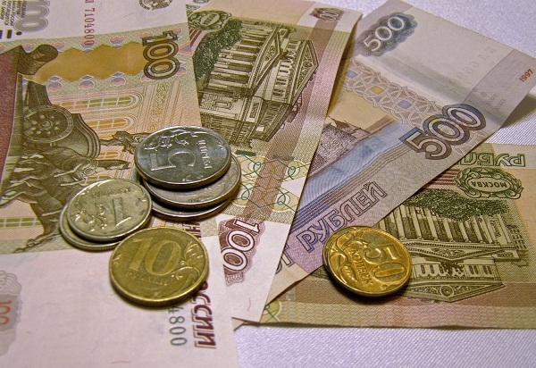 How much people earn in Russia: Real examples