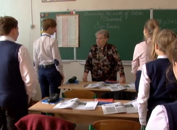Teacher from Odessa has been working in the same school for almost 60 years