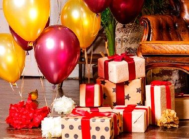 Holiday greetings from Elena & Elenasmodels.com team