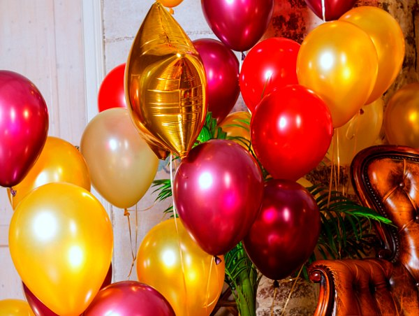 Как поздравить коллегу с днем рождения на работе