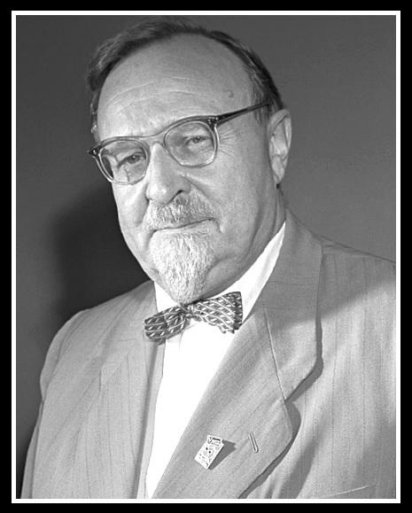 Александр Опарин.
