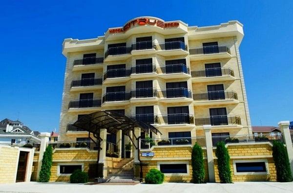 Citrus hotel.