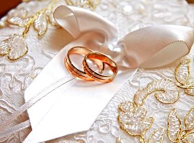 Ukraine's week of weddings.