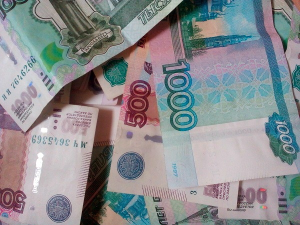 Why official numbers for monthly wages in Russia are nearly double of what locals really earn