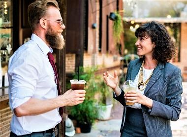 Общение на иностранном языке помогает вам сдерживать эмоции