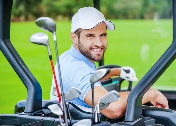 Богатый мужчина, гольф.