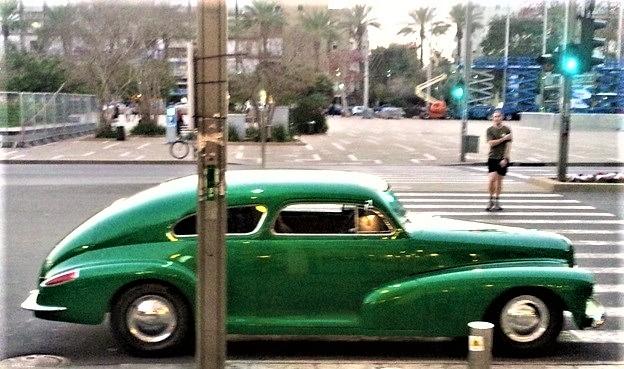 Раритетный автомобиль в Тель-Авив